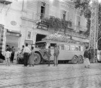 nairn_bus_in-damascus_small